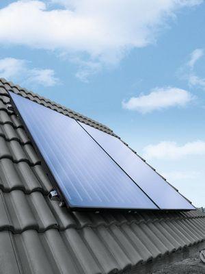 Solaranlage installiert auf einem Dach